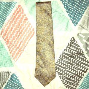 Van Heusen Paisley Neck Tie